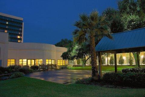 Hilton Waco - Outdoor Event Space
