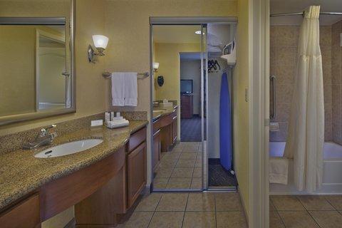 Homewood Suites by Hilton Daytona Beach SpeedwayAirport - Standard Bathroom