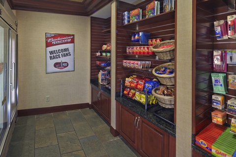 Homewood Suites by Hilton Daytona Beach SpeedwayAirport - Suite Shop