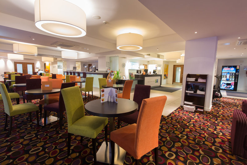 Holiday Inn Express Birmingham - South A45 Bar/Lounge