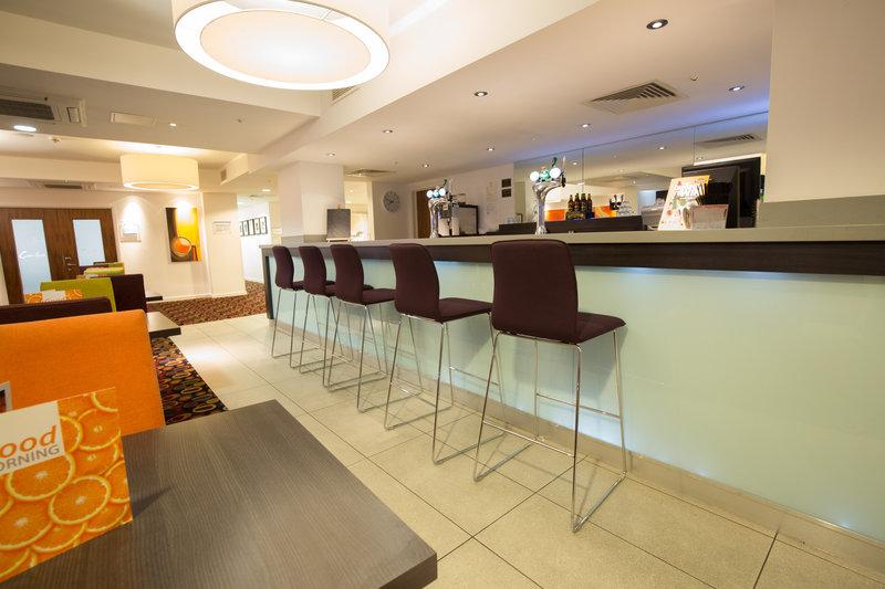Holiday Inn Express Birmingham - South A45 Restauration