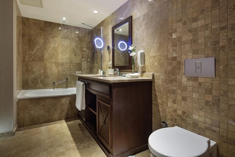 هيلتون قيصري - Executive Bathroom
