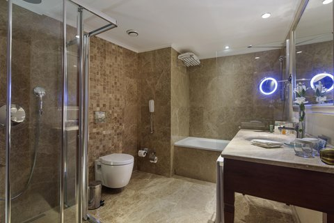 هيلتون قيصري - King Hilton Executive Bathroom