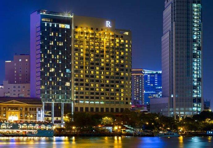 Renaissance Riverside Hotel Saigon Vista exterior