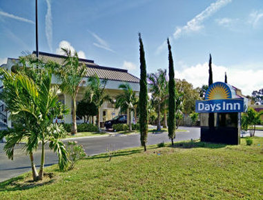 DAYS INN BY WYNDHAM SARASOTA B