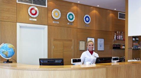 Park Inn Vilnius North - Reception Desk