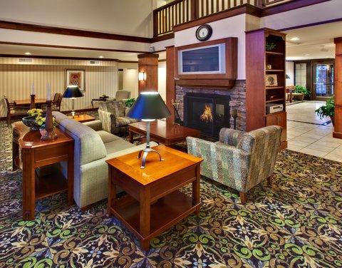 Staybridge Suites DAVENPORT - Davenport Staybridge Suites great room