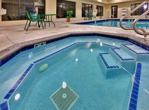 Staybridge Suites DAVENPORT - Davenport Staybridge Suites Swimming Pool
