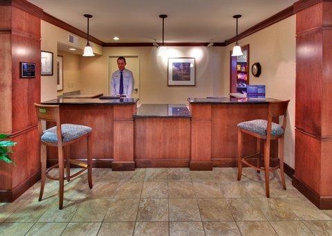 Staybridge Suites DAVENPORT - Davenport Staybridge Suites entrance