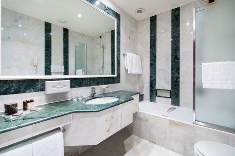 Hotel Internazionale - Hotel Internazionale Classic Room Bathroom