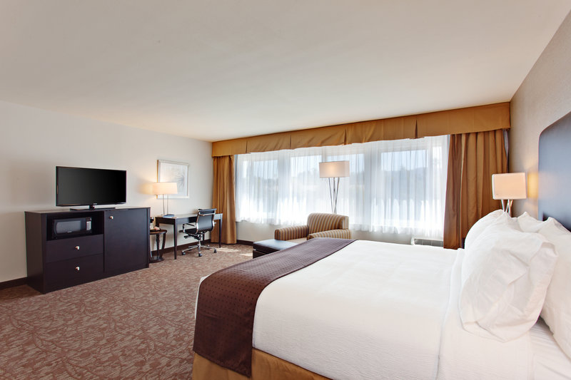 Holiday Inn - West Covina, CA