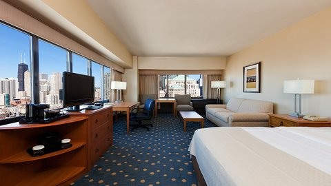 Holiday Inn Chicago Mart Plaza Hotel - Executive Corner King Bed Guest Room