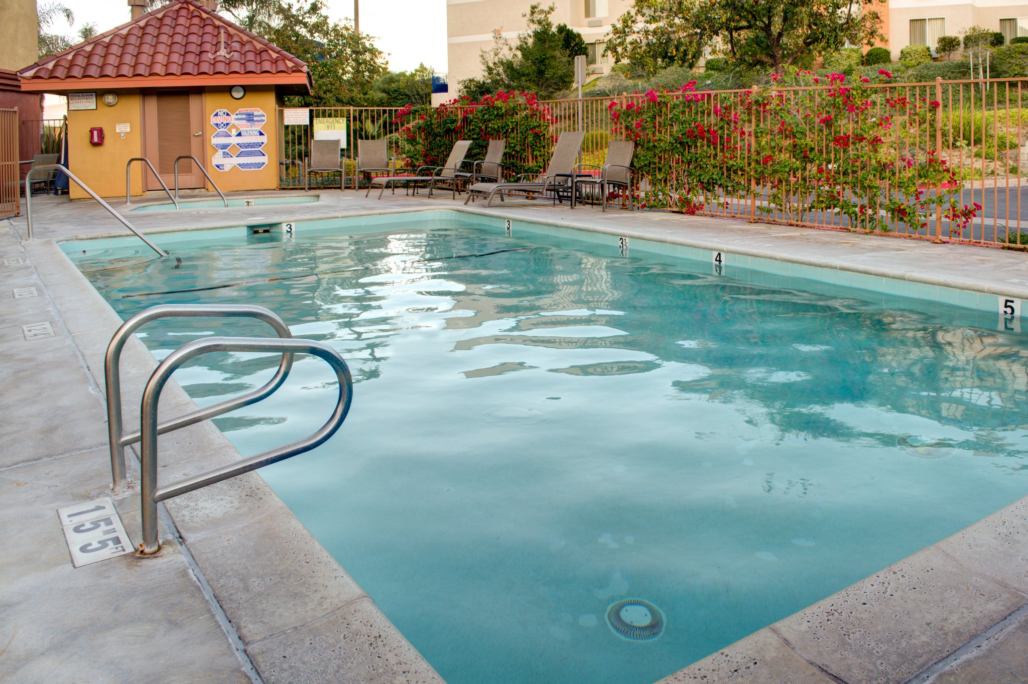 Comfort Suites Near Six Flags Magic Mountain