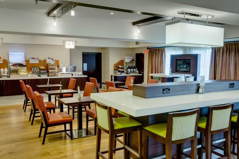 Holiday Inn Express SIMI VALLEY - Simi Valley, CA