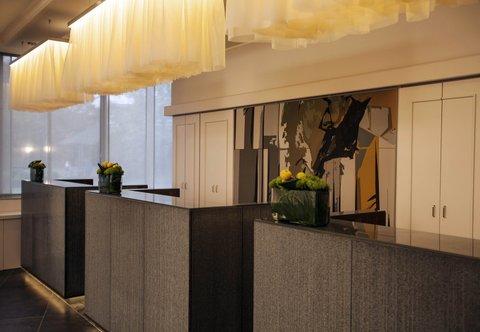 杜塞尔多夫尼盛万丽酒店 - Reception Desk