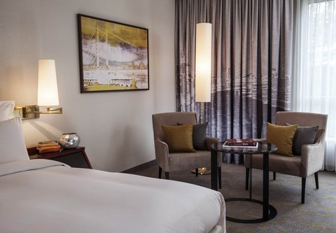 杜塞尔多夫尼盛万丽酒店 - Guest Room Seating Area