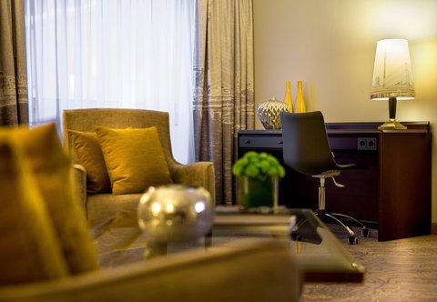 杜塞尔多夫尼盛万丽酒店 - Junior Suite   Work Desk