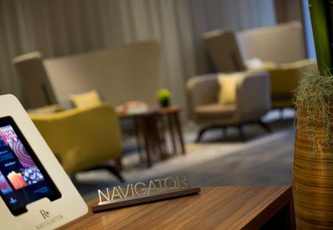 杜塞尔多夫尼盛万丽酒店 - Navigator Desk