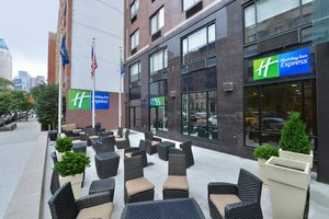 Holiday Inn Express Hotel Amp Suites New York City New