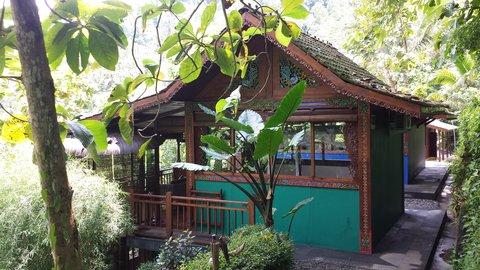 Villa Borobudur - Villa Merapi Bedroom Side View