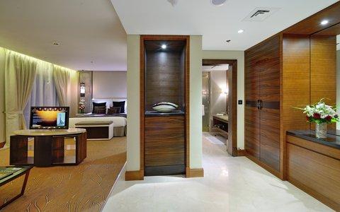 Millennium Plaza Dubai - Executive Suite Bedroom