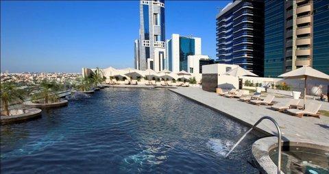 Millennium Plaza Dubai - Swimming Pool
