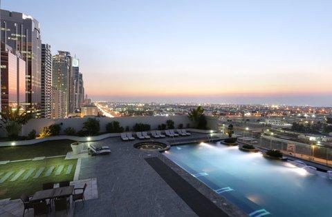 Millennium Plaza Dubai - Swimming Pool Evening