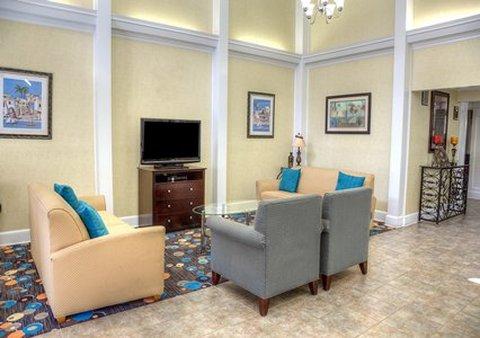 柱廊凯富套房酒店 - Lobby