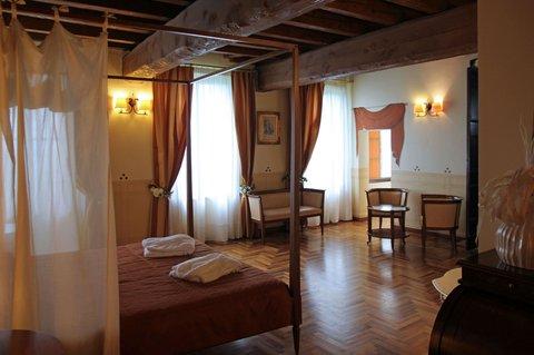 Hotel Villa Policreti - SUITE ROOM
