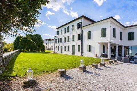 Hotel Villa Policreti - Exterior view