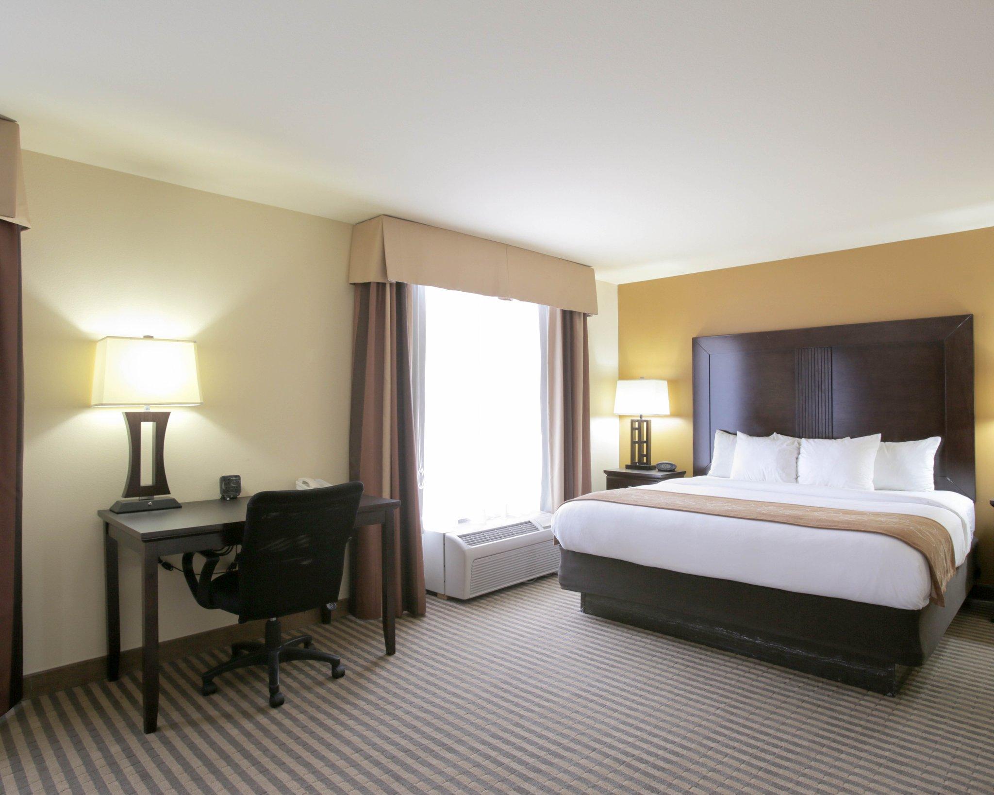 Comfort Suites North