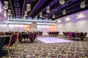 Ballroom - Clarion Inn Tampa