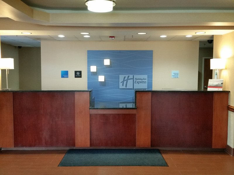 Holiday Inn Express & Suites TOWER CENTER NEW BRUNSWICK - Pylesville, MD