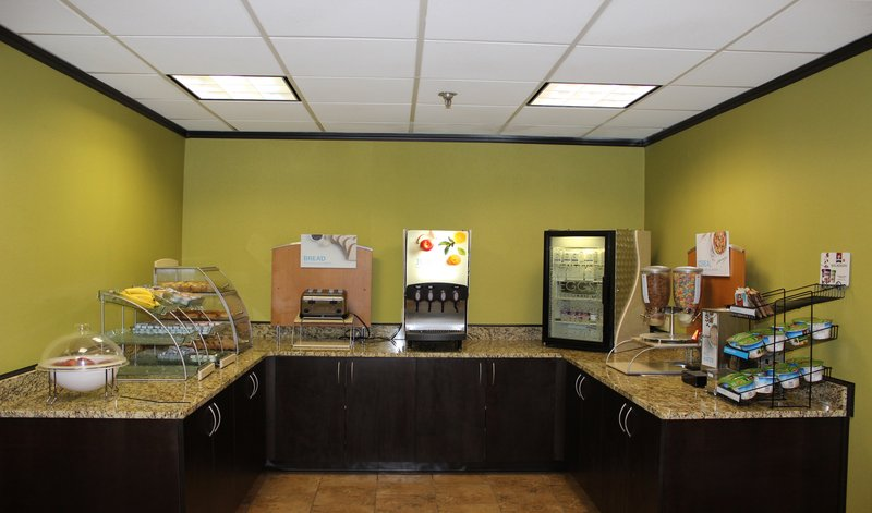 Holiday Inn Express FORSYTH - Forsyth, GA