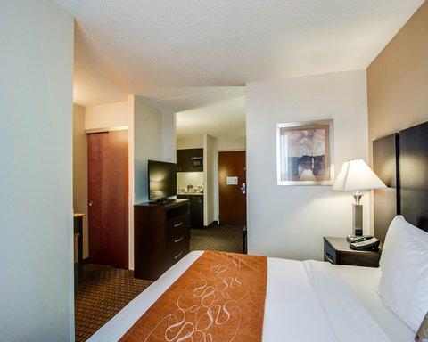 Comfort Suites University - VAKINGDELUXESUITE