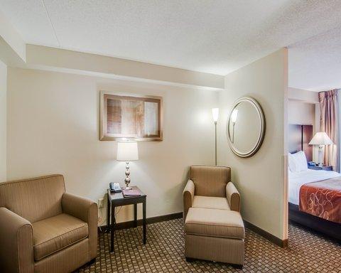 Comfort Suites University - VAKINGSUITE