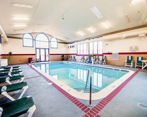 Comfort Suites University - Pool