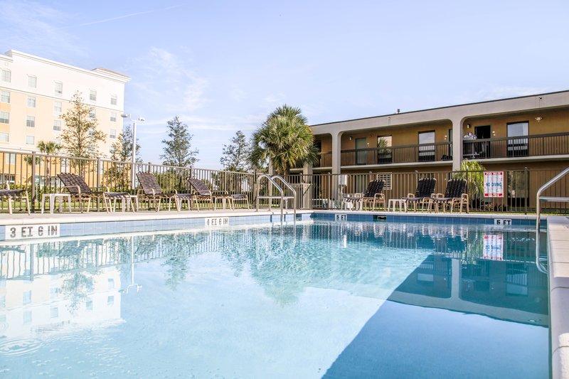 Howard Johnson Plaza Altamonte Springs Orlando North In Altamonte Springs Fl 32714 Citysearch