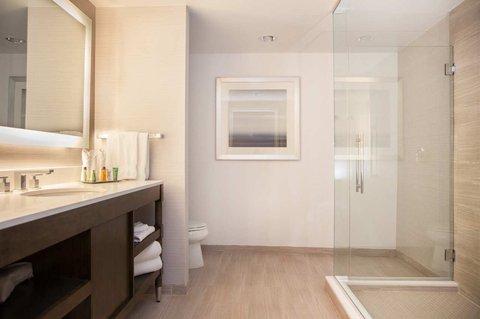 Hilton New Orleans St Charles Avenue - Suite Bathroom