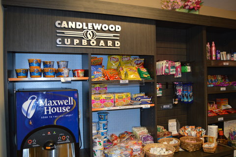 Candlewood Suites Fort Myers Sanibel Gateway Hotel - Vending