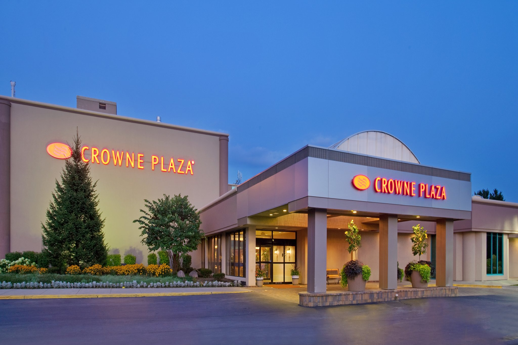 Crowne plaza hotel chicago northbrook photos for Chicago lodging