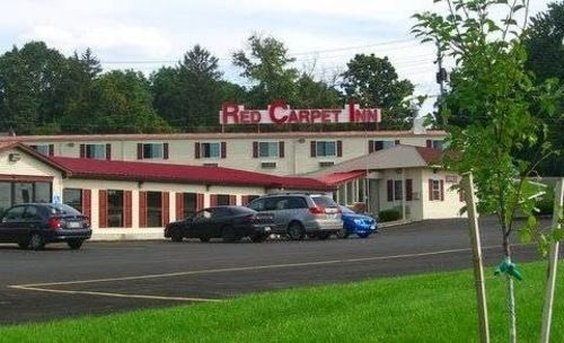 RED CARPET INN N SYRACUSE