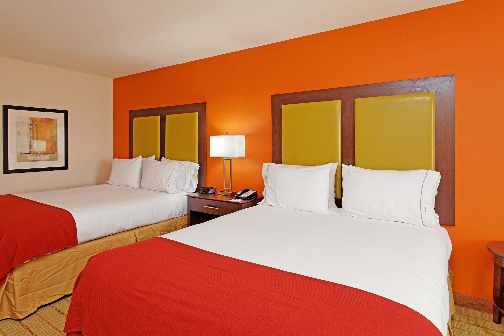 Holiday Inn Express & Suites Florence NE