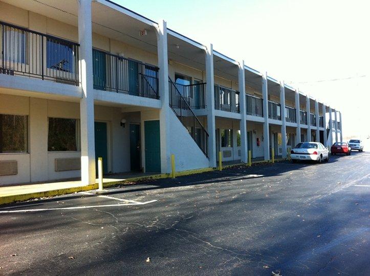 Red Carpet Inn & Suites Danville