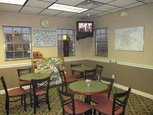 Restaurant - Red Carpet Inn & Suites New Orleans