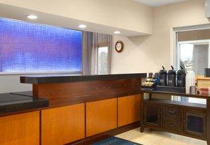 Lobby - Fairfield Inn by Marriott Dubuque