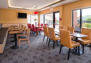 Restaurant - TownePlace Suites by Marriott Huntington