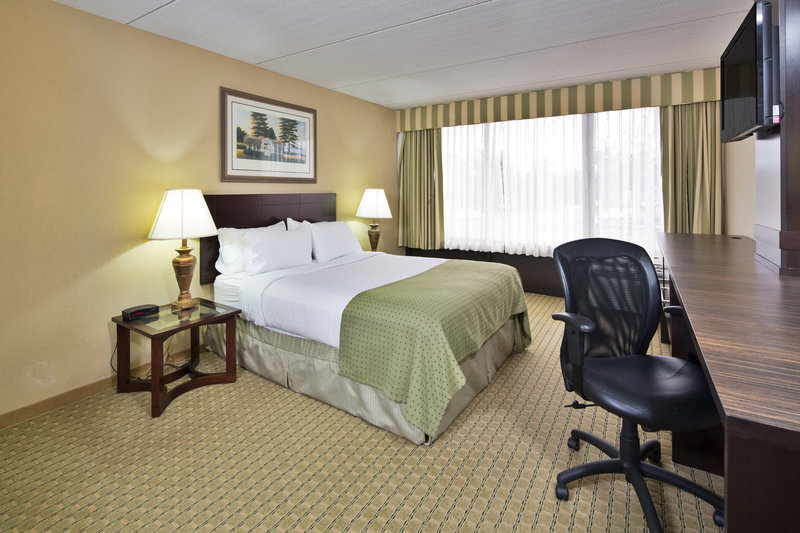 Holiday Inn & Suites Nashua in Nashua, NH, photo #26