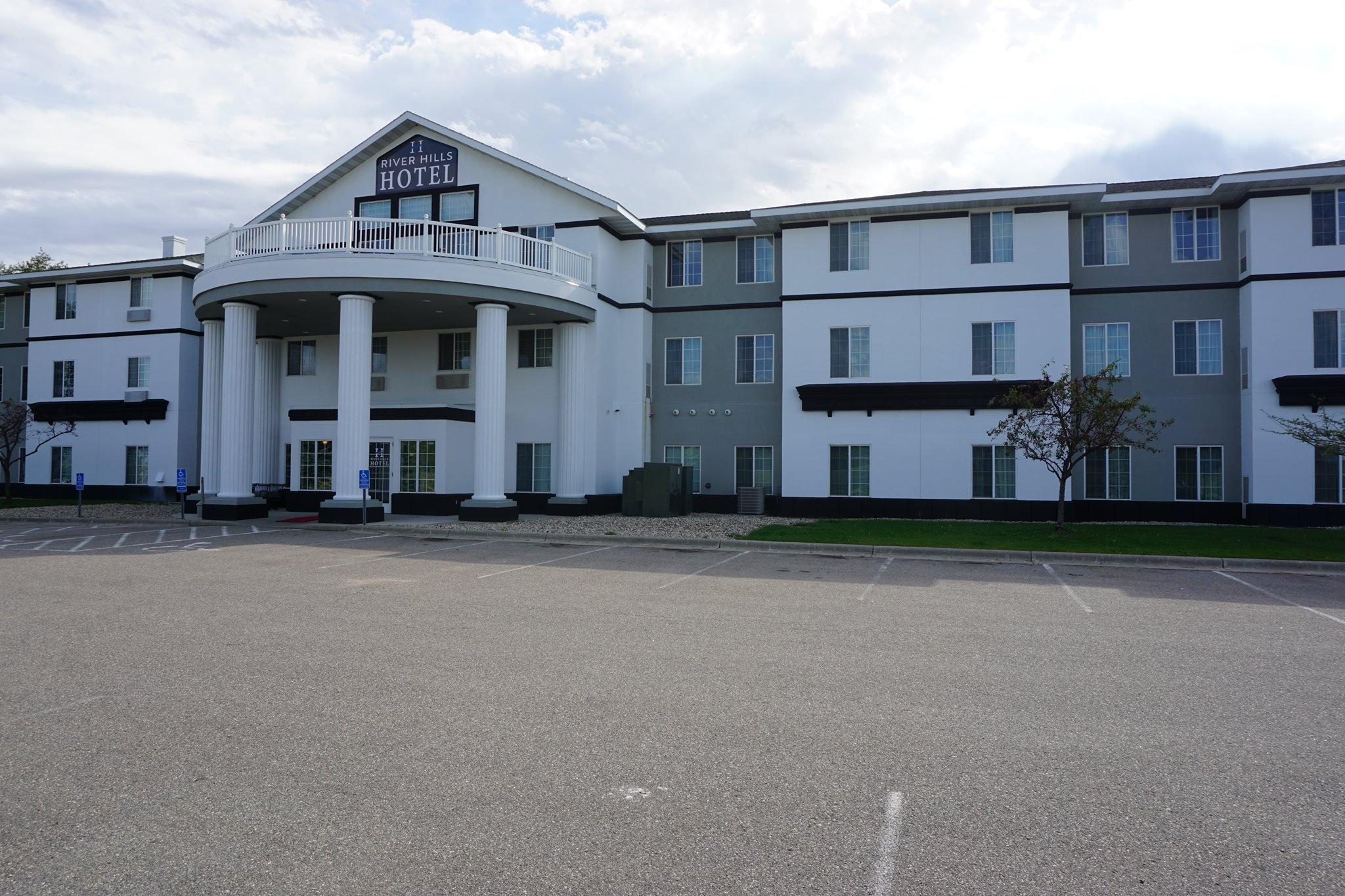 River Hills Hotel & Suites