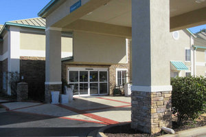 Exterior view - Comfort Inn & Suites Greenwood